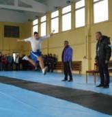 С лъвски скок спортното училище ще почете Апостола