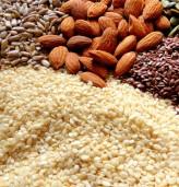 Как е най-добре да консумираме ядките и семената