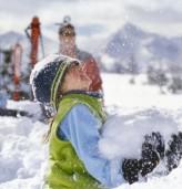 Четвърт час разходка при минусови температури закаляват детето