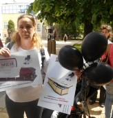 Майки на деца с увреждания протестираха в Добрич