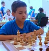 Трикратният държавен шампион по шахмат от Добрич се нуждае от средства