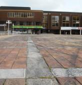 """Площад """"Демокрация"""" ще бъде почистен"""