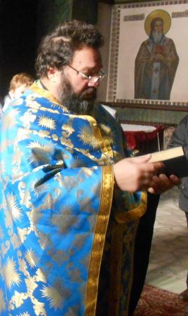 """33-ма бездомници е приютил отец Стоян от храм """"Света Троица"""""""