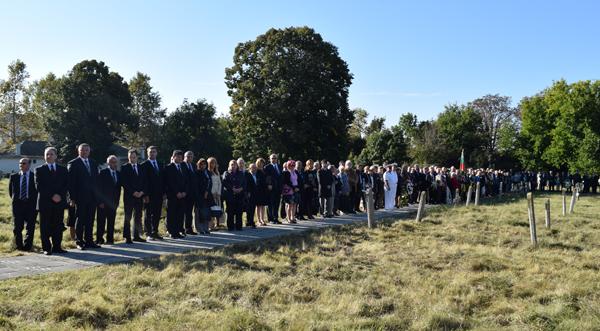 ВИДЕО: Военен ритуал и общоградско поклонение за Деня на Добрич