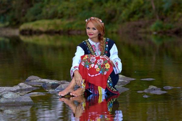 Народната певица Ивелина Колева за страстта към музиката и бъдещите си проекти