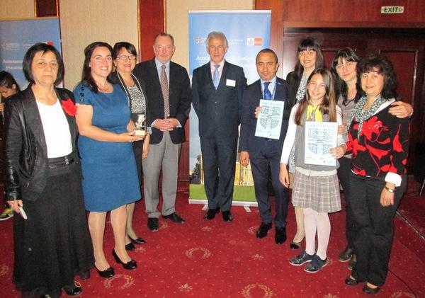 Талевци получиха престижните си отличия от Асоциацията на Кеймбридж училищата в България