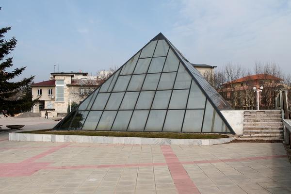 Пирамидата в Каварна отново отваря врати