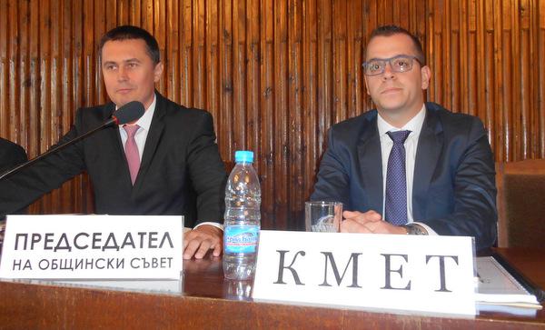 СНИМКИ: Добрич тръгва по нов път на управление с млади кмет, съветници и председател