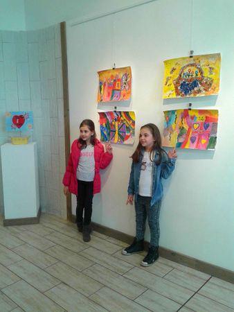 """Изложба """"Рисунки за мама"""" в Балчик по повод Международния ден на жената"""