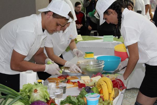 Кулинарно състезание се проведе в Младежки център - Добрич