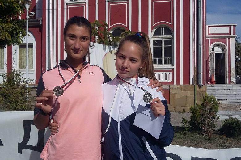 """Двe атлетки на СКЛА """"Добруджа 99"""" спечелиха сребърни медали на пробег """"Колю Фичето"""""""