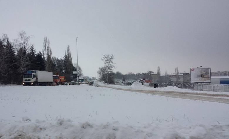 Затворен за движение на всички моторни превозни средства е пътят Добрич - Балчик - Варна
