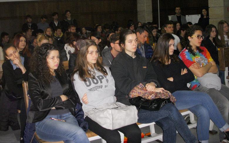 Окръжен съд - Добрич посрещна близо 100 младежи в Деня на отворените врати