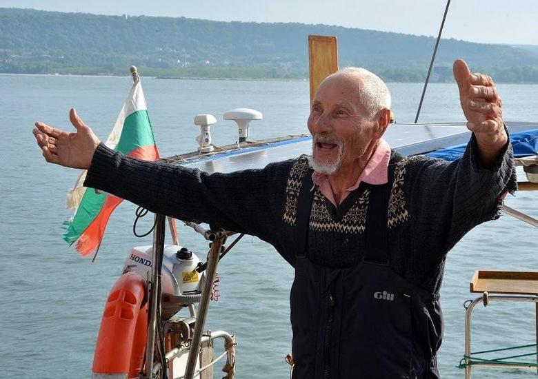Тържествено посрещат д-р Васил Куртев в родния Каварна след околосветското плаване