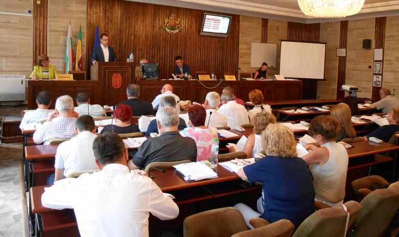 Извънредно заседание на Общински съвет - Добрич за ВиК проектите за Рилци, банков заем и маломерни паралелки