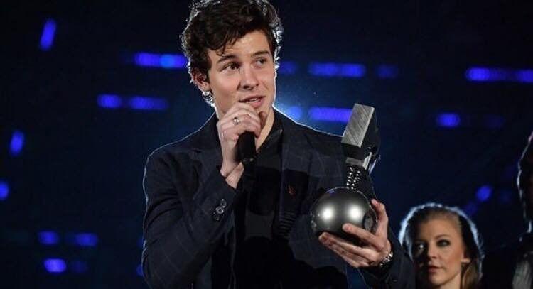 Шон Мендес триумфира на европейските MTV награди