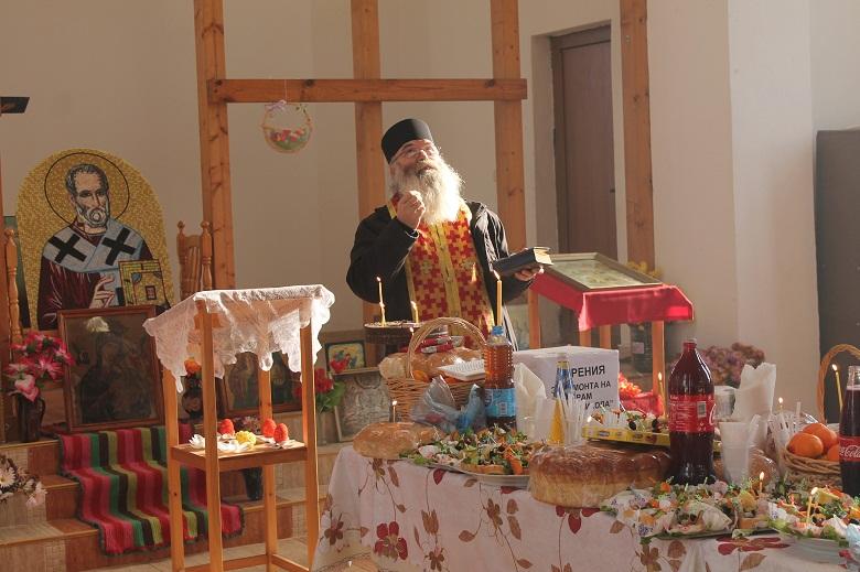 """На Никулден своя празник отбелязва храм """"Свети Николай"""""""