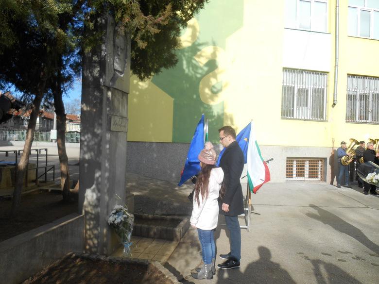 Добрич отбеляза 170 години от рождението на Христо Ботев (+снимки)