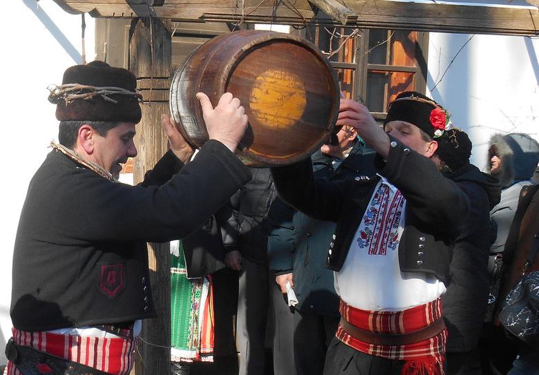 Избират най-доброто домашно вино на Добрич за Трифон Зарезан