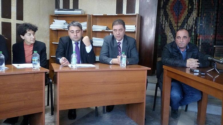 Среща между представители на протестиращите и ръководството на ВиК се проведе днес
