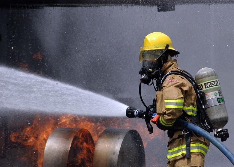 Над 50 крави се задушиха при пожар в село Славеево, предполагат умисъл
