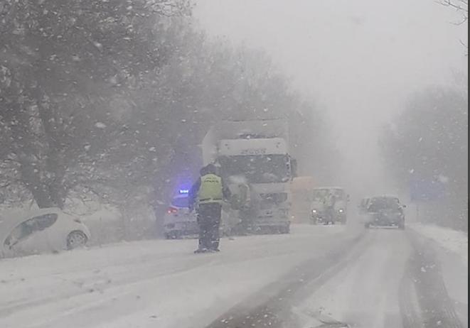 Двe катастрофи възникнаха по пътя Добрич – Варна, има ранени