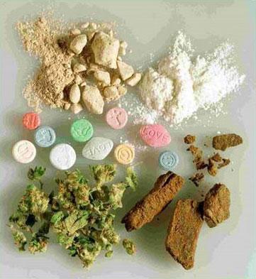 Осъдиха двама за притежание на наркотици с цел разпространение