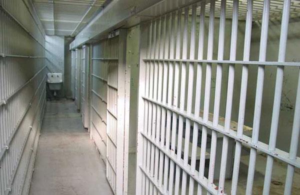Арест за водач, заловен да управлява с почти 3 промила алкохол