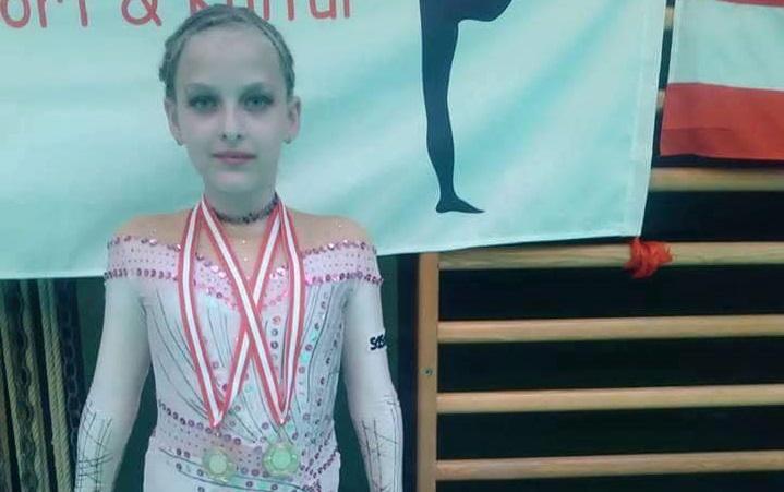 Два златни медала във Виена за малката гимнастичка Валерия от Добрич, която твори икони