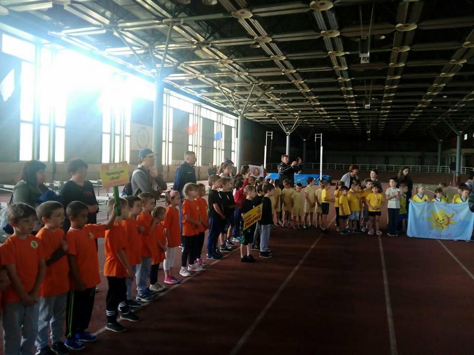 Малки лекоатлети от Добрич мериха сили в спортен празник