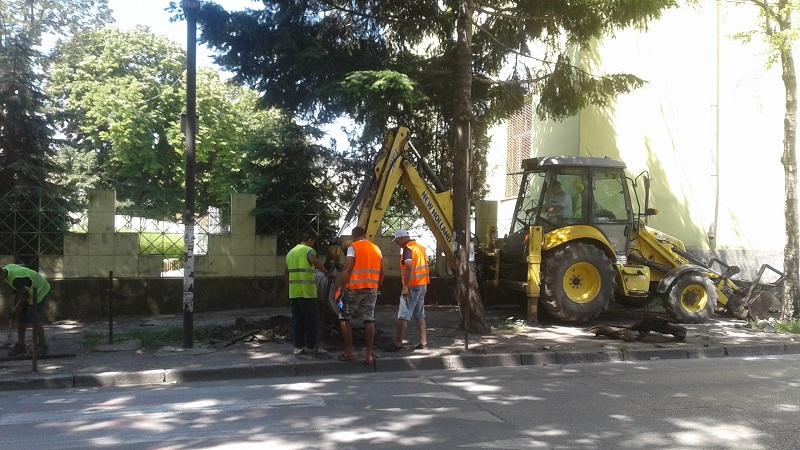 Започна ремонтът на тротоарите по четири основни улици в Добрич