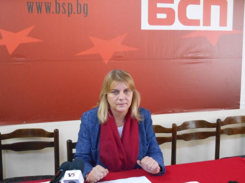 Патриотичен буквар ще получат първокласниците в две училища от Общинския съвет на БСП