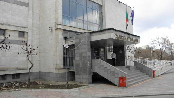 Очакват се заключителните пледоарии по дело срещу трима подсъдими за престъпление по служба