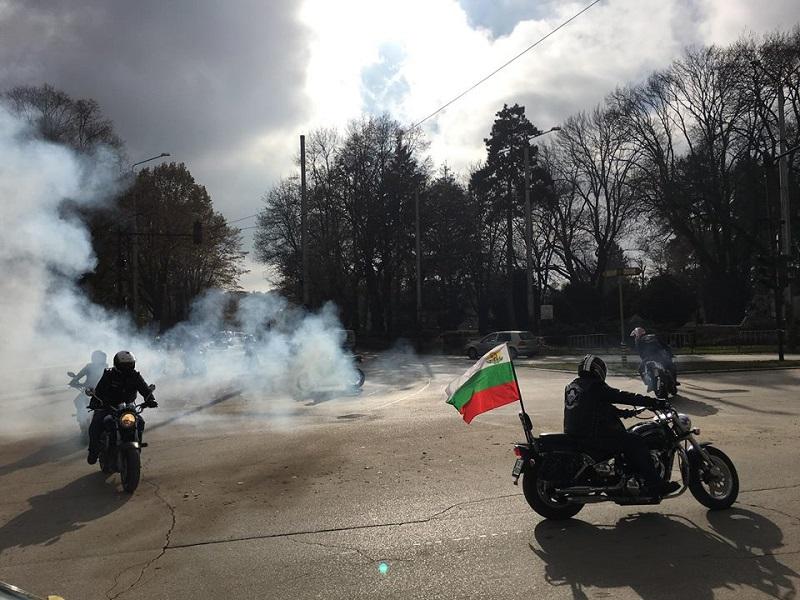 Поредно авто-мото шествие организираха в Добрич в знак на протест