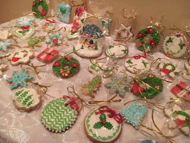 """Коледна изложба базар """"От жените на Каварна"""" отвори врати в крайморския град"""