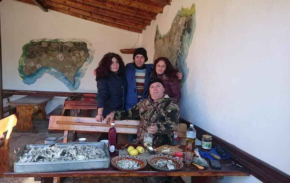 Кметът на Българево почерпи жителите на китното село за Никулден