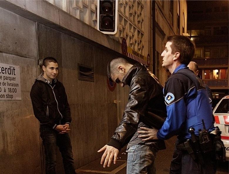 Откриха спринцовка с хероин при проверка на двама мъже в Добрич