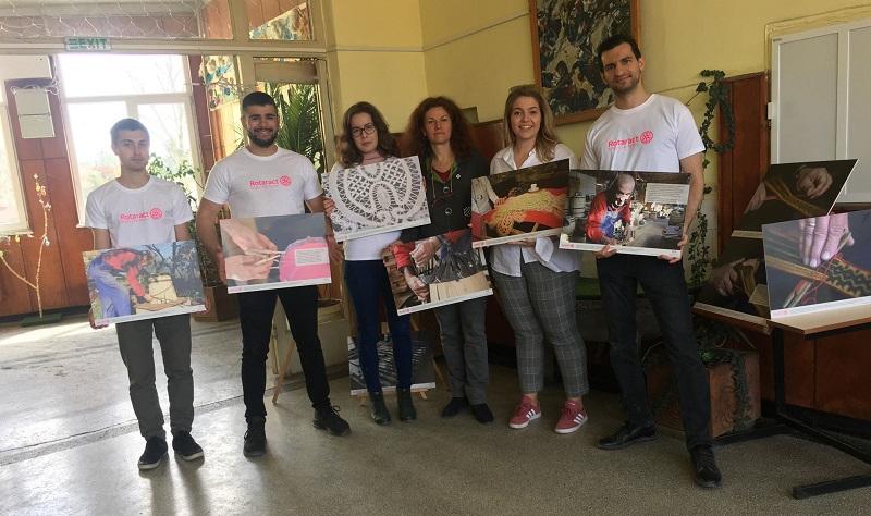 В добричките училища оживяват традиционни български занаяти по идея на младежка организация