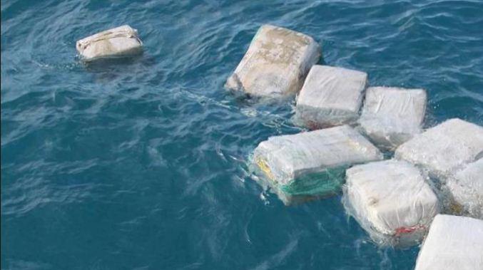 Сак с над 25 килограма кокаин, подобен на тези в Шабла, изплува от морето край Варна