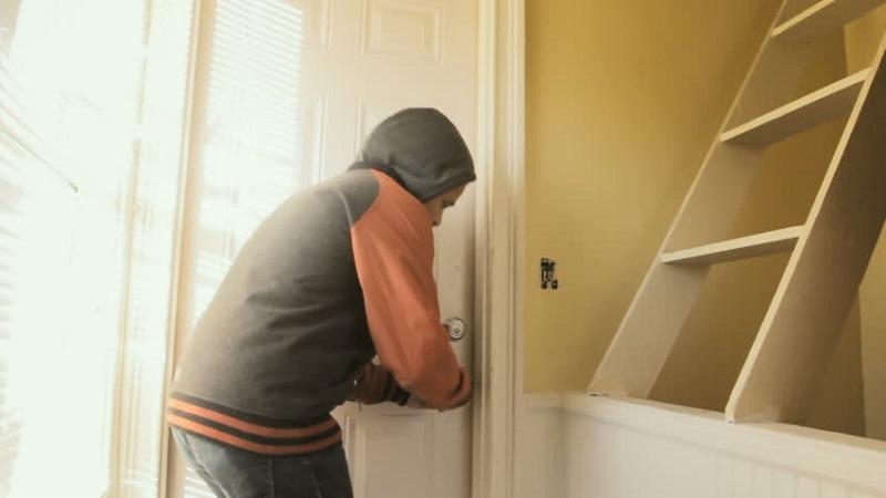 Три кражби за денонощие в Добрич и областта