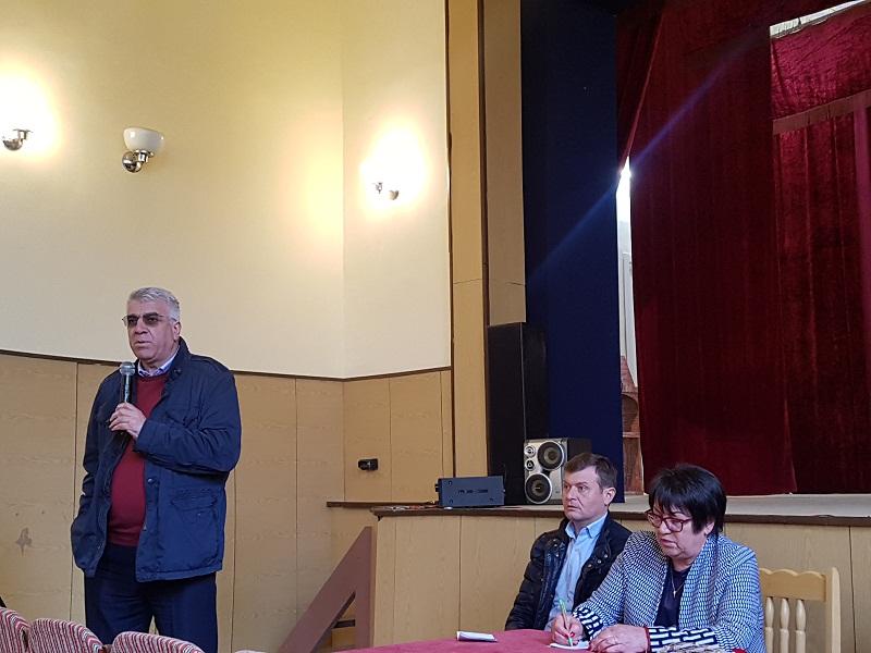 Народният представител проф. Румен Гечев се срещна с жителите на с. Плачи дол