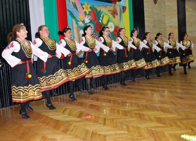 Автентични добруджански ритми и обичаи представиха на Общинския фолклорен събор в Генерал Тошево