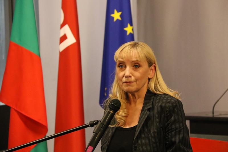 Елена Йончева ще се срещне с граждани в Добрич