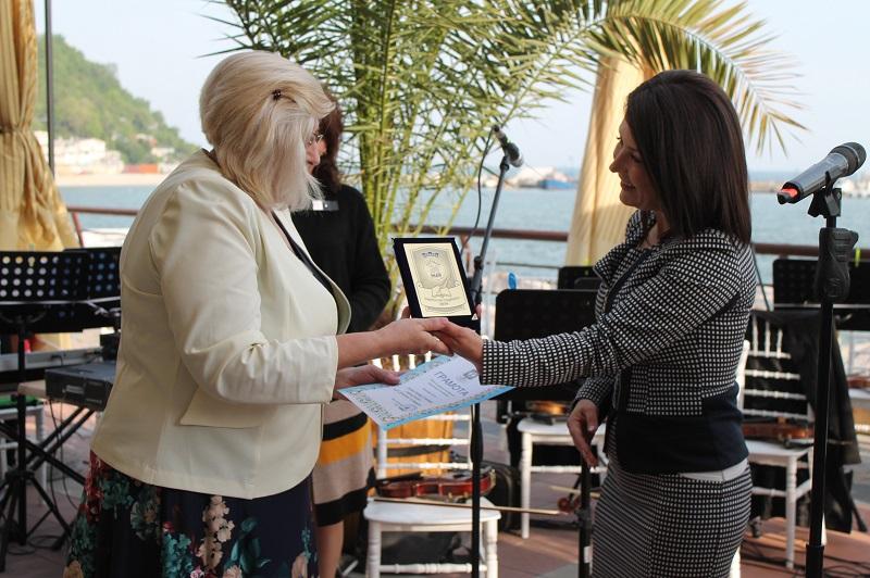 Кметът на Каварна награди преподаватели, постигнали високи резултати през учебната година