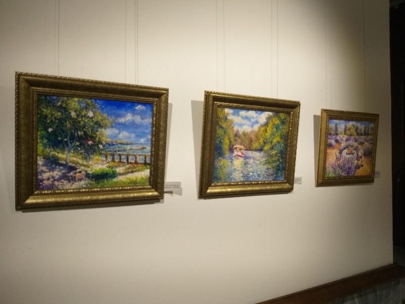 Художниците-педагози представиха творчеството си в годишна изложба