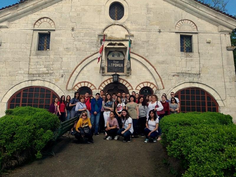 Ученици от Добрич минаха по стъпките на героите, паднали за свободата на Добруджа през Първата световна война