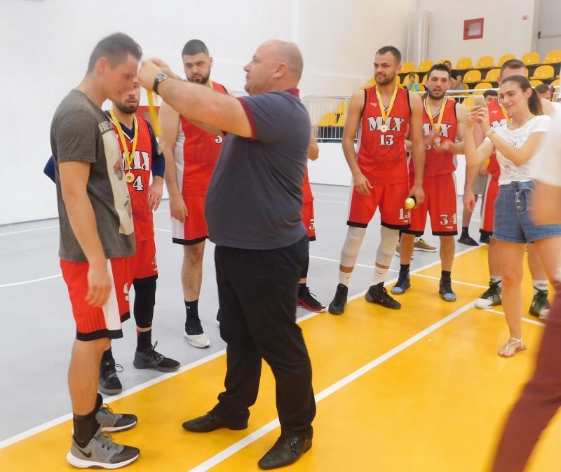 """Тимът на """"МIX"""" /София/ стана шампион в Българската баскетболна лига"""