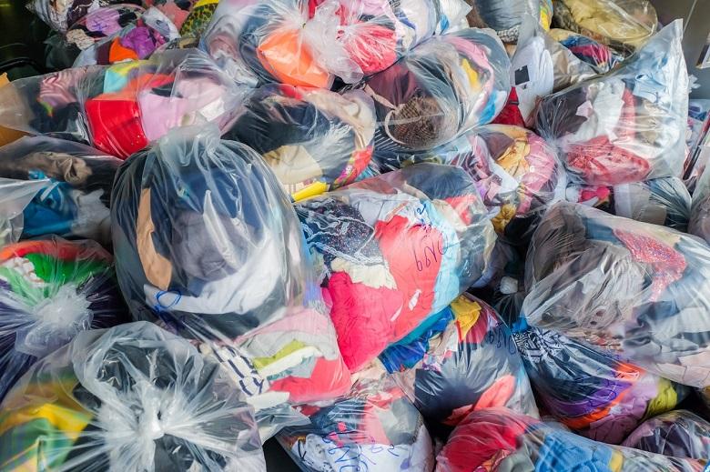 В два пункта ще събират дрехи в Ген. Тошево, с които БЧК ще подпомага хора в нужда