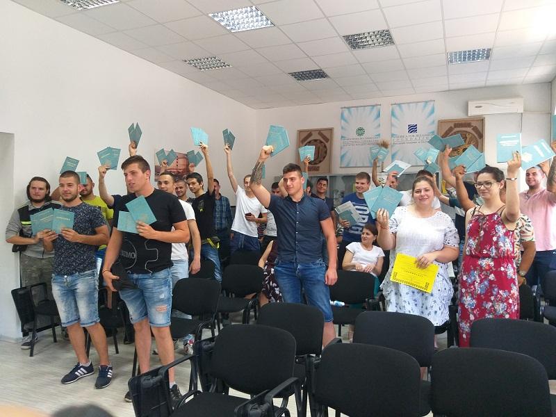 Зрелостниците от Аграрната гимназия в Добрич получиха своите дипломи
