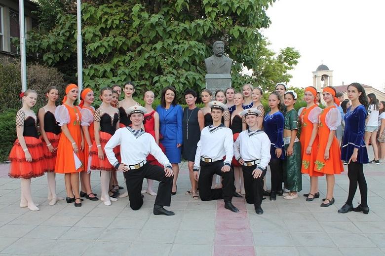 Танци и вокални техники представиха в Каварна състави от побратимения руски град Подолск